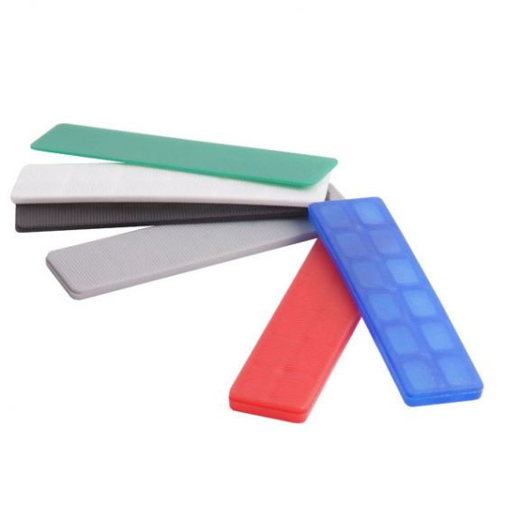 Plastic packing glazing shims